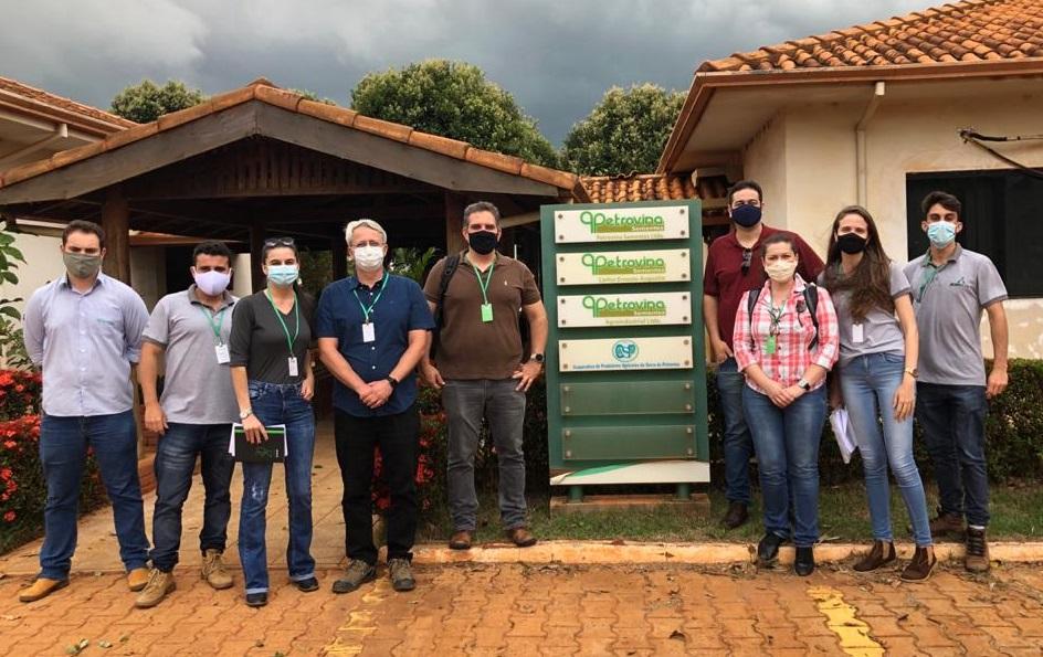 Instituto AgriHub e UFV - viagem para projeto de Difusao Tecnologica - Grupo Petrovina